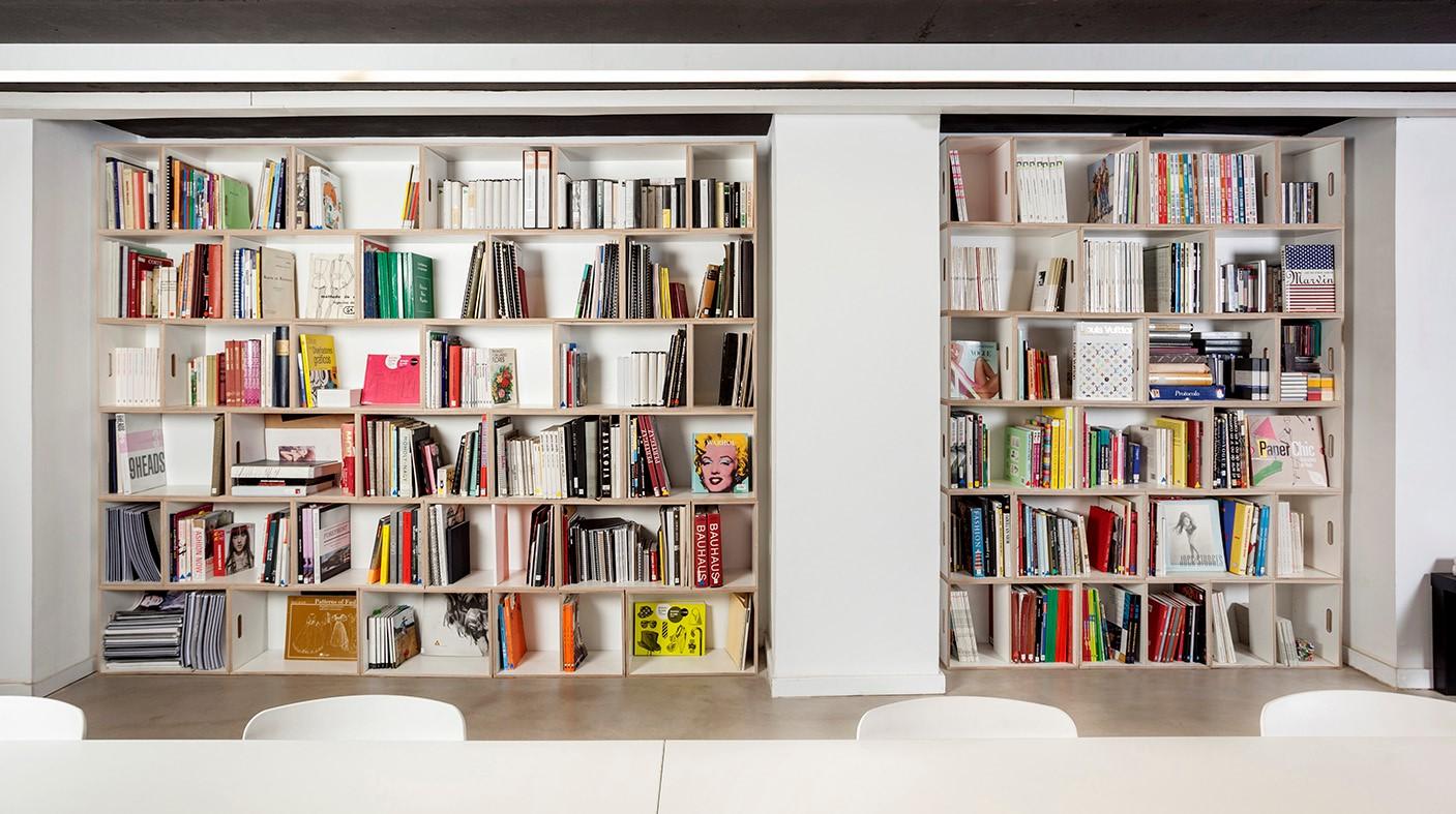 Muebles modulares para la oficina brickbox estanterias for Estantes de oficina