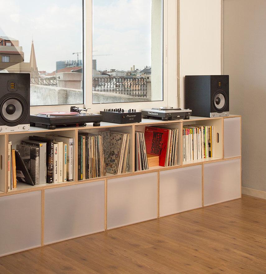 modulare Möbel für Vinyl-Scheiben und Geschirr
