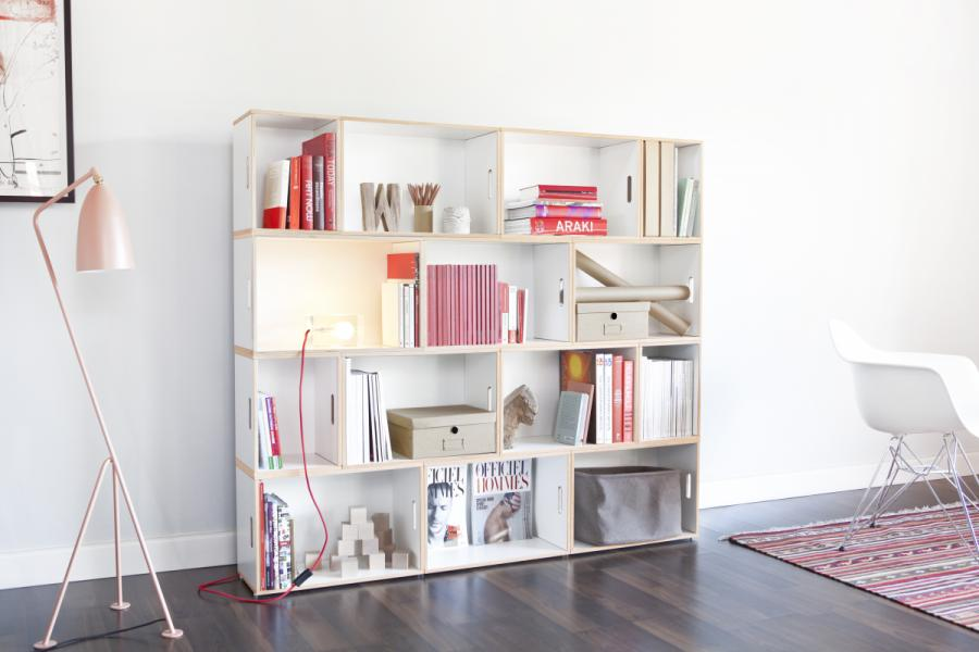 Compact and versatile modular shelving
