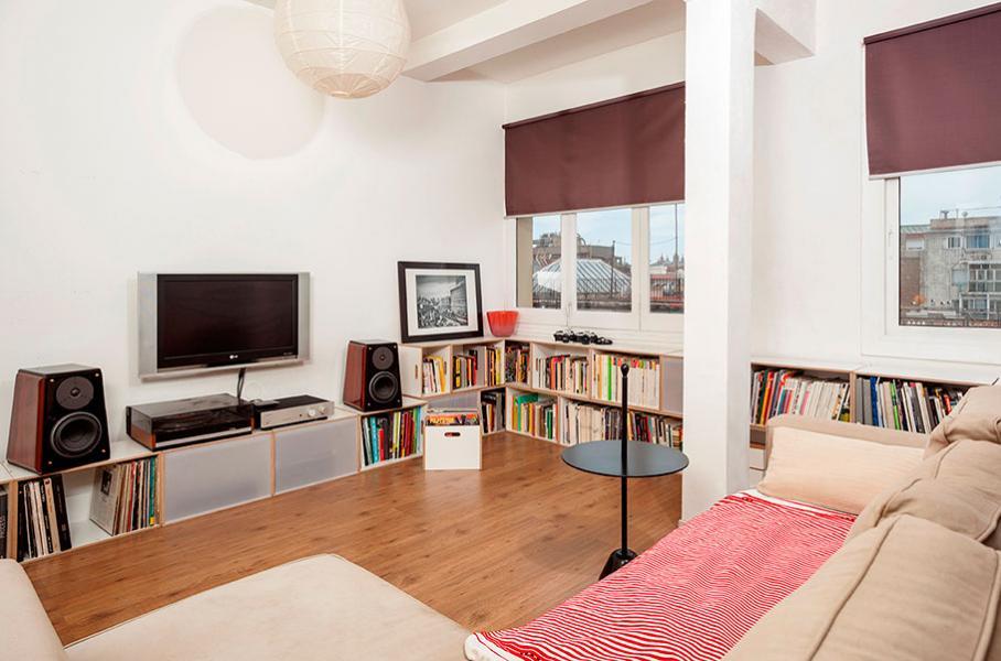 biblioteca para espacio pblico mueble bajo para televisin y equipo de msica