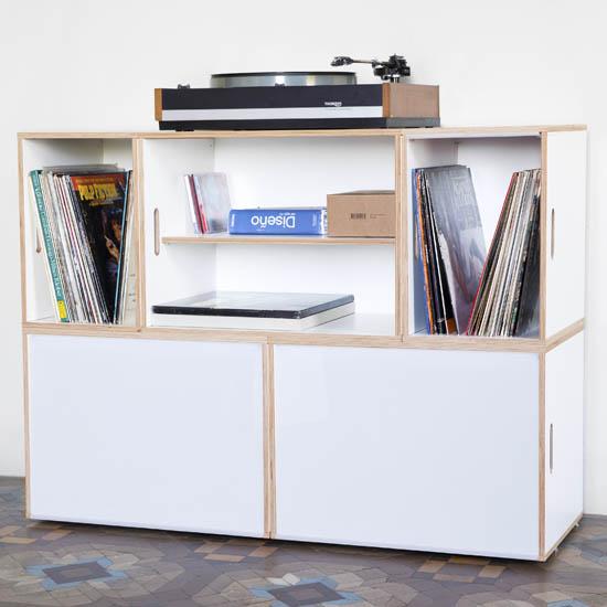 Modular shelf for storing vinyl records