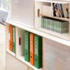 Modulares weißes Bücherregal aus Birkensperrholz. Kombinieren Sie Standard-BrickBox-Boxen mit BrickBox XL-Holzboxen.