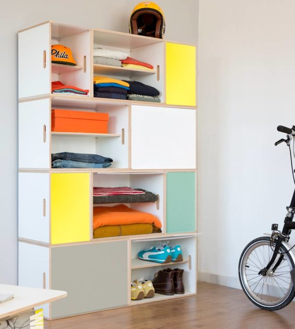 Mueble ropero modular con puertas de aluminio en cuatro colores