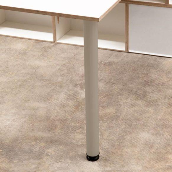 Pata metálica regulable para escritorio