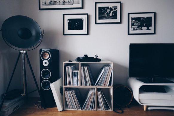 Modulares BrickBox-Vinylregal