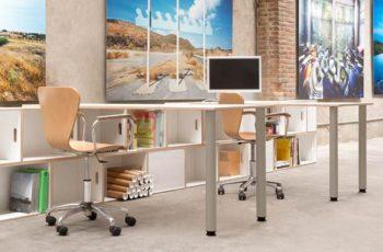 Nuevas patas de metal en gris para las mesas de oficina