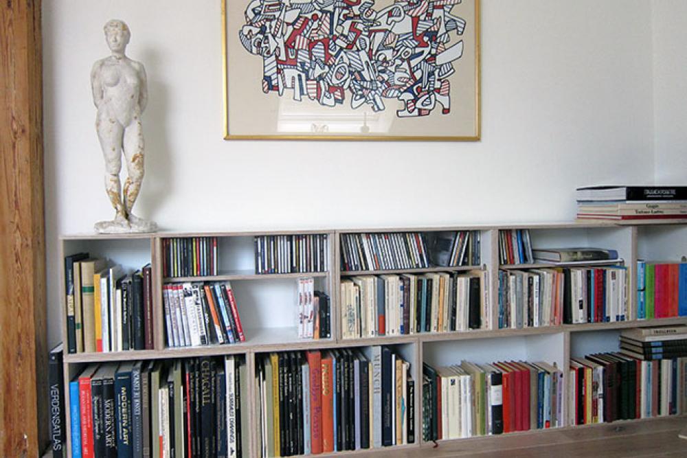Estanteria modular conentedora de arte, estanteria para esculturas, cuadros y libros