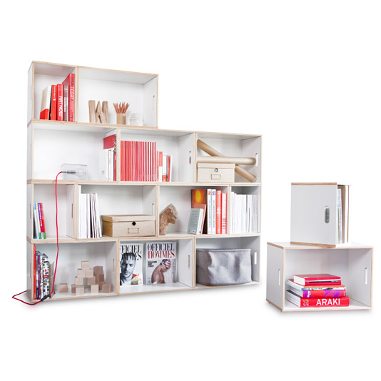 Set of modular shelves that form the Paris modular shelf. Ideal for storing books and decorative objects in an original and functional way