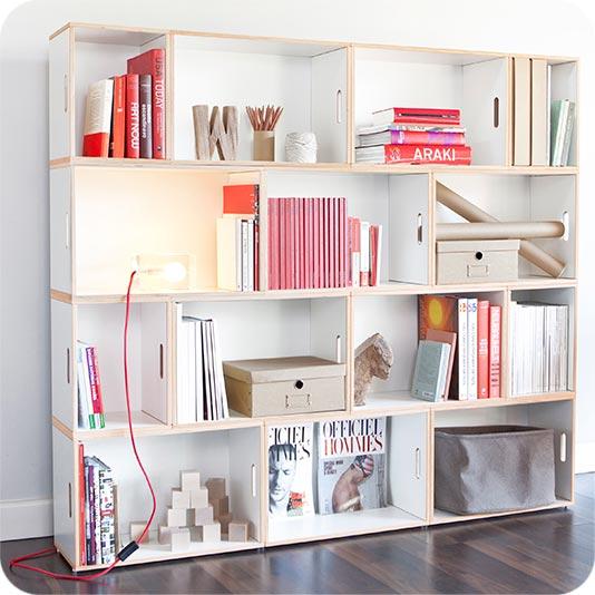 Modular shelf to store books in an original way. Medium sized Paris combo
