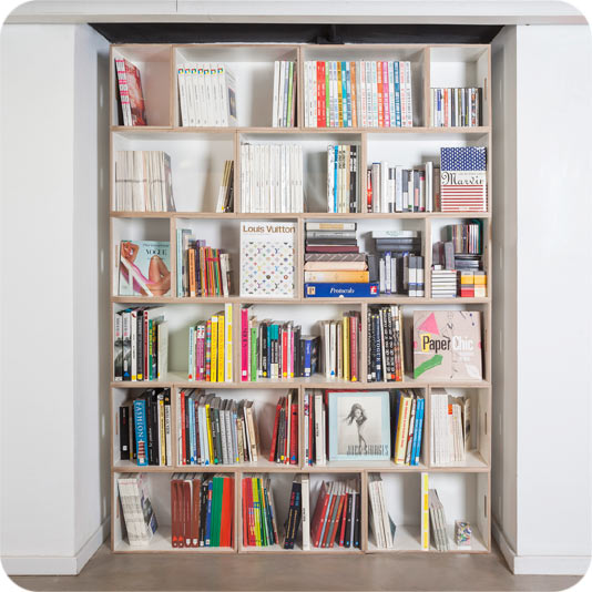 Modular bookcase for home and office